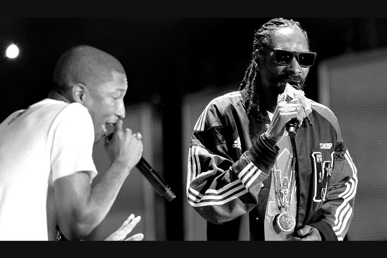 Snoop Dogg ve Pharrell canlı yayında yan yana geldiler !