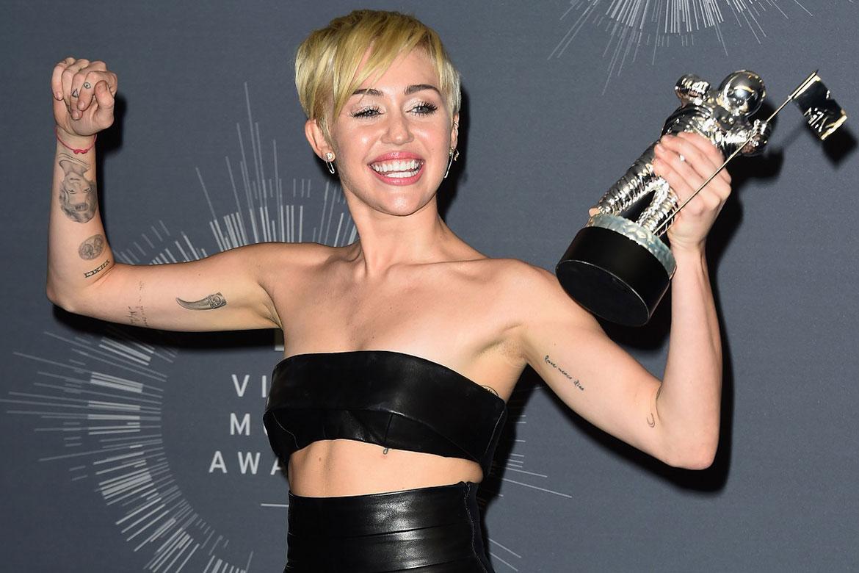 Miley Cyrus VMA'nın tanıtım yüzü oldu !
